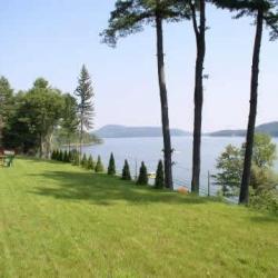 lawn-overlooking-otsego-lake